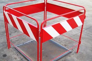 barriera interruzione chiusino stradale